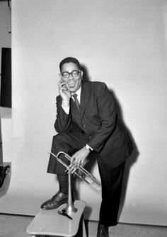 a biography of dizzy gellespie the best trumpeter Dizzy gillespie was one of the greatest jazz trumpeters of all times check out this biography to know about his childhood, family life, achievements and other facts related to his life.