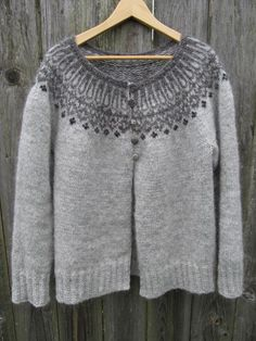 foggy maren cardigan on craftsy. Also on Ravelry called Top-Down Icelandic Sweater by Ragga Eiríksdóttir. Designer Ragga Eiríksdóttir teaches you how to knit a fun, authentic Icelandic sweater from the top down and in the round. Sweater Knitting Patterns, Cardigan Pattern, Knit Patterns, Knit Cardigan, Knitting Sweaters, Gray Cardigan, Motif Fair Isle, Knit Stranded, Icelandic Sweaters