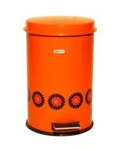 Brabantia pedaalemmer  Deze Vintage pedaalemmer van Brabantia is in nieuwstaat en heeft de prachtige oranje kleur met design Patrice. De pedaalemmer is een echte eyecatcher in het interieur. Nog met label! zie: http://www.retro-en-design.nl/a-40722573/vintage/oranje-brabantia-pedaalemmer-patrice/