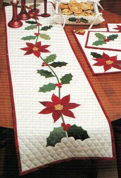 Christmas tablerunner - love the cross-hatch quilting in the space around the applique
