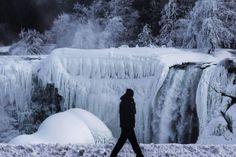 Bevroren Niagarawatervallen