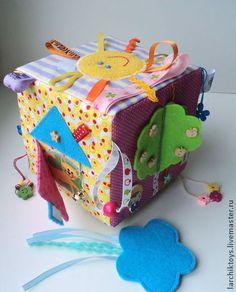 Развивающие игрушки ручной работы. Ярмарка Мастеров - ручная работа Развивающий кубик. Handmade.