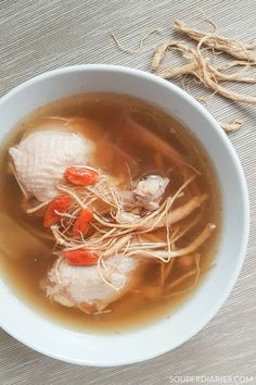 Ginseng Chicken Soup Ginseng beard chicken soup gently nourishes and rejuvenates the body. Chinese Soup Recipes, Healthy Chinese Recipes, Chicken Soup Recipes, Asian Recipes, Chinese Herbs, Chinese Food, Chinese Desserts, Ginseng Chicken Soup, Crock Pot