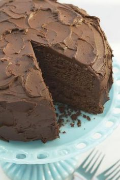 so much chocolate so little time Fudge Cake, Brownie Cake, Brownies, Just Desserts, Delicious Desserts, Yummy Food, Sweet Recipes, Cake Recipes, Dessert Recipes