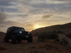 JEEP: Black Wrangler on Sunset