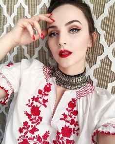 Yuriko Sasahira (@yurikoasmona) • Instagram photos and videos Idda Van Munster, Little Girl Models, Vintage Outfits, Vintage Fashion, Glamour Makeup, Girl Artist, Retro Girls, Daily Makeup, Poses