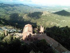 #viajar #travel #spain #catalunya #catalonia #cataluna #tarragona #riudecanyes #escornalbou #castillo #castle #medieval #torre #tower #montanas #mountains #paisaje #landscape