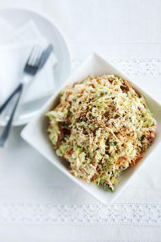 Kuva - Coleslaw-salaatti Coleslaw, Avocado Toast, Salad Recipes, Recipies, Koti, Bread, Breakfast, Disney, Party