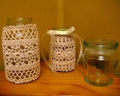 Mason jars are often used for decorating the home, wedding gifts, item storage and other creative crafts. Here are Cute Mason Jar Craft Ideas which can help you to repurpose those old mason jars for decoration or useful pieces. Buy Mason Jars, Fall Mason Jars, Mason Jar Crafts, Cute Crafts, Creative Crafts, Crafts To Do, Diy Crafts, Cool Diy Projects, Craft Projects
