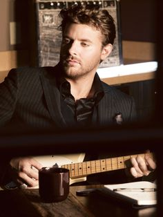 """Chris Young Scores His 5th Consecutive #1 Single With """"You"""""""