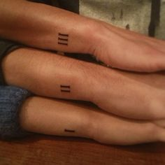 20 Ideias de Tatuagens para Irmãos 20 Ideas for Tattoos for Brothers Bff Tattoos, Friend Tattoos, Couple Tattoos, Finger Tattoos, Small Tattoos, Group Tattoos, Tatoos, Tattoo Couples, 3 Tattoo