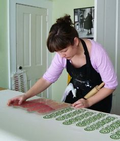 PrintSpecs: Jenny Nelson (Home Sweet) Gelli Printing, Stamp Printing, Printing On Fabric, Screen Printing, Textile Prints, Textiles, Stamp Carving, How To Dye Fabric, Dyeing Fabric