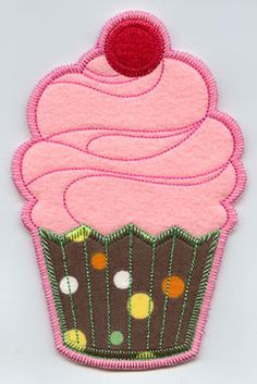Cupcake in-the-hoop utensil holder machine embroidery design.