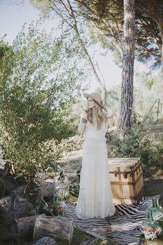 Nueva colección de vestidos de novia de la diseñadora catalana Immaclé. Inspiracion Romantica para una novia con un aire hippie y muy chic www.immacle.com #bohochic #vintage #babydol