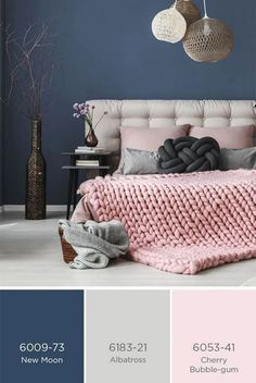 gray bedroom with pop of color Inspiration and ideas for a room colour scheme with dark blue painted walls with pale grey upholstery and pale blush pink accessories for cont Blue And Pink Bedroom, Dark Blue Bedrooms, Grey Bedroom With Pop Of Color, Pink Bedrooms, Blue Rooms, Blue Bedroom Colors, Pink Room, Copper Living Room, Copper Bedroom