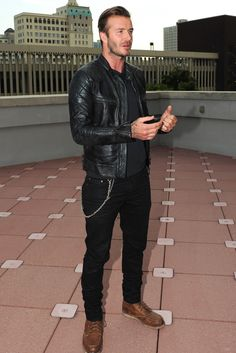 Every time David Beckham looked great in 2016 Best Leather Jacket 2019 is part of David beckham style - The David Beckham Look Book GQ Source by Best Leather Jackets, Leather Jacket Outfits, Gq, Stylish Men, Men Casual, David Beckham Style, Silvester Outfit, Mode Man, Best Street Style