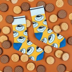 Best morning combination 💚🍌 #coffee_bs i trochę słodkości nie zaszkodzi nikomu 😉  Śmieszne kolorowe skarpetki we wzory Banana Socks! Silly Socks, Custom Socks, Fashion Socks, My Style, Inspiration, Shop, Outfits, Design, Stockings