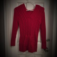 SALE❤️Red Hooded Sweater❤️ ❤️ Very cozy red sweater with hood ❤️ Looks Great ❤️ Bundle with other items in my closet for a discount ❤️ Fashion Bug Sweaters V-Necks