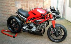 """http://www.way2speed.com/2012/08/2006-s2r-1000-monster-ducreation.html 1000 Monster """"Ducreation"""" ~ Grease n Gasoline  (way2speed.com)  The Perfectly normal 2006 Ducati Monster S2R-1000, until Celli got his hands on it. What he always wanted is something different and special – a """"Nuda"""" ("""