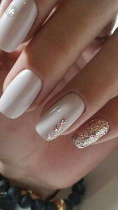 Wie Gel-Nagellack schnell trocknen Nail Polish w.p nail polish Nailed It, Gold Nail Designs, Gel Polish Designs, Elegant Nail Designs, Nagel Blog, Rose Gold Nails, Gold Gel Nails, White Gel Nails, Mauve Nails