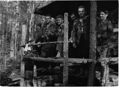 """2nd Lieutenant Hämäläinen's long range patrol team on our side [of the lines], at the 14 Div. sauna."" - 16 August 1941"