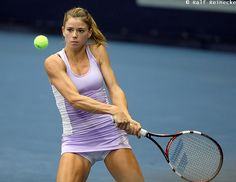 the female form when associated with sport and fitness Camila Giorgi, Female Volleyball Players, Tennis Players Female, Camilla, Tennis Photography, Maria Sharapova Photos, Famous Sports, Fit Black Women, Sport Tennis