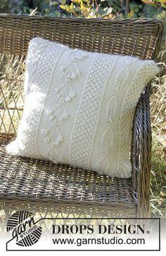 Snow Beads Pillow - Gestrickter DROPS Kissenbezug in Alpaca und Brushed Alpaca Silk mit verschiedenen Mustern. - Free pattern by DROPS Design