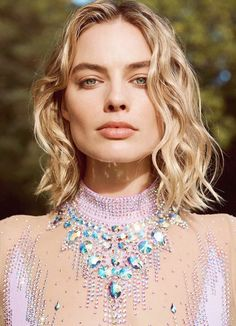Harper's Bazaar Australia March 2018 Margot Robbie by Max Doyle - Fashion Editorials Margot Robbie Harley, Margot Elise Robbie, Margo Robbie, Blonde Makeup, Naomi Smith, Nastassja Kinski, Divas, Mode Editorials, Fashion Editorials