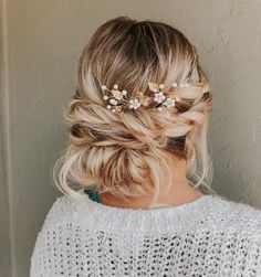 Pretty Mermaid-Esque Updo - 50 Half Up Half Down Hairstyles for Everyday and Party Looks - The Trending Hairstyle Trending Hairstyles, Messy Hairstyles, Prom Hairstyles, Hairstyles Videos, Short Hair Styles Easy, Curly Hair Styles, Best Wedding Hairstyles, Beautiful Hairstyles, Elegant Updo