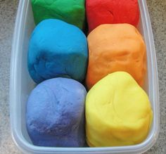 This easy homemade playdough recipe is truly the best! Make it in less than 10 minutes (we made 6 batches in 30 minutes!) and the kids will have fun with this DIY, non-toxic play-doh for hours! March Crafts for kids Toddler Fun, Toddler Crafts, Summer Activities, Toddler Activities, Motor Activities, Sensory Activities, Best Homemade Playdough Recipe, Best Play Dough Recipe, Simple Play Dough Recipe