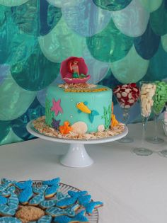 Cute cake at a Mermaid Party #mermaid #partycake