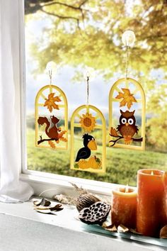 Zawieszki na okno - Dom i styl życia Autumn Crafts, Autumn Art, Holiday Crafts, Christmas Diy, Paper Crafts For Kids, Preschool Crafts, Diy And Crafts, Fall Classroom Decorations, School Decorations