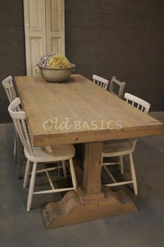 Geschilderde tafels op pinterest funky beschilderde meubels geschilderde stoelen en funky meubels - Balken grijs geschilderd ...