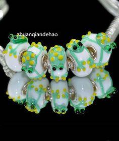 1 glass charm bracelet bead green frog European toad lizard newt pond animal