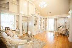 Luxurious sitting space & touch up stations #cedarwoodweddings Cedarwood Weddings :: Sensational New Bridal Suite | Cedarwood Weddings