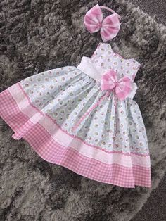 Ideas For Open Closet Ideas Baby Baby Dress Design, Baby Girl Dress Patterns, Doll Clothes Patterns, Frock Design, Frock Patterns, Baby Girl Frocks, Frocks For Girls, Little Girl Dresses, Baby Dresses