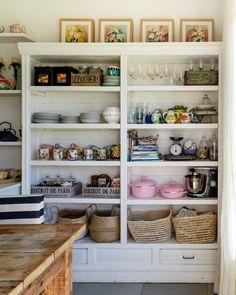 Kitchen Bookshelf, Kitchen Cabinet Shelves, Best Kitchen Cabinets, Kitchen Cabinet Organization, Kitchen Pantry, Kitchen Decor, Organization Hacks, Kitchen Storage, Open Pantry