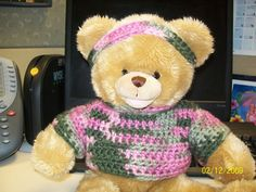 Instructions to crochet a sweater for any size animal. Can be crocheted with any yarn and suitable hook.