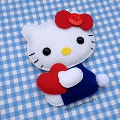 Marcia Kuwahara Hello Kitty Crafts, Hello Kitty Baby, Felt Diy, Felt Crafts, Diy And Crafts, Felt Animal Patterns, Stuffed Animal Patterns, Puppy Coloring Pages, Hello Kitty Collection