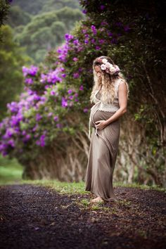 pretty maternity pho
