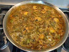 """Paella de sepias, ajos tiernos, puerros y alcachofas Una paella"""" valenciana"""" tiene que llevar sus 10 ingredientes imprescindibles y ..."""