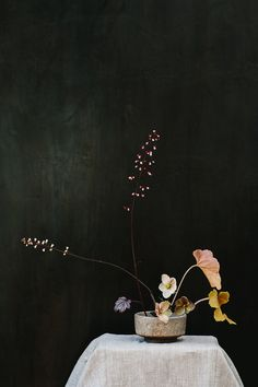 Ikebana inspired wedding ideas | photography M.K. Sadler, florals and design Studio Mondine