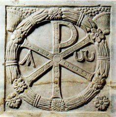 Sólo a partir de la aceptación del cristianismo por Constantino el Grande (entre 270 y 288-337) la cruz empezó a reproducirse…