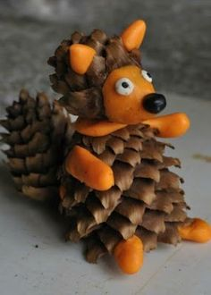Trendy nature crafts for children pine cones 67 ideas Autumn Crafts, Fall Crafts For Kids, Nature Crafts, Diy For Kids, Kids Crafts, Diy And Crafts, Handmade Christmas Crafts, Handmade Ornaments, Pine Cone Crafts