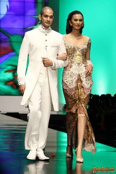 Kebaya Wedding Anne Avantie IFW 2012