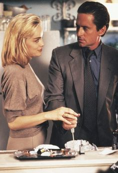 """Basic Instinct"" -  Michael Douglas e Sharon Stone.- 1992"
