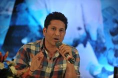Mumbai (AFP) – Indian police said Monday they had asked YouTube and Facebook to block a video poking fun at cricket great Sachin Tendulkar, sparking the country's latest row over freedom of expression. https://desiforce.com/mumbai-police-ask-youtube-facebook-to-block-video/