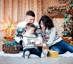 Babies First Christmas, Christmas 2019, Family Christmas, Xmas, Family Posing, Family Portraits, Family Photos, Christmas Photo Cards, Christmas Pictures