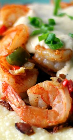 Shrimp and Grits - Sparkles of Yum Best Shrimp And Grits Recipe, Shrimp N Grits, Charleston Shrimp And Grits, Skillet Dinners, Shrimp Dishes, Supper Recipes, Fish And Seafood, Easy Cooking, Quick Meals