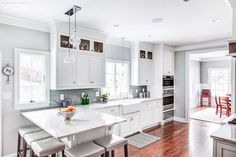White Shaker Cabinets located in Madison, New Jersey https://www.kountrykraft.com/photo-gallery/white-shaker-cabinets-madison-nj-j101387/ #KountryKraft #CustomCabinetry #CustomKitchenCabinets